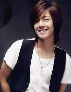 Kim Hyun Joong 김현중 ♡ long hair ♡ SS501 ❤ pretty smile ♡ Kpop ♡ Kdrama ♡ perfect boy ♡
