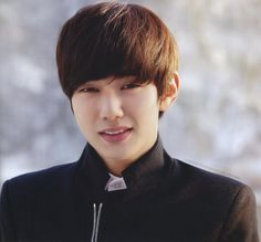 https://ru.pinterest.com/jihyechve/ #YooSeungho #ASIA #Korea_actor