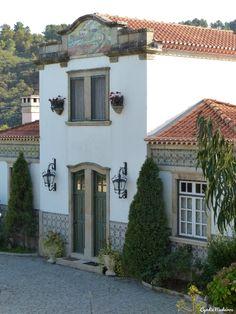 Portuguese Culture, Portuguese Tiles, Fun Art, Cool Art, Lisbon, Antique, Landscape, House Styles, Beauty