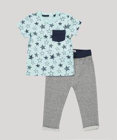 35faa16bb9 Conjunto Infantil de Camiseta Estampada de Estrelas Manga Curta Verde +  Calça em Moletom Cinza Mescla