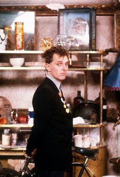 Rik Mayall played Rick in The Young Ones with such bombast and enthusiasm! British Sitcoms, British Comedy, English Comedy, Comedy Duos, Comedy Tv, Welsh, Rik Mayall Bottom, Ben Elton, British Humor