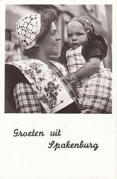 Klederdracht / Traditional costume Spakenburg, Nederland
