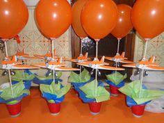 centro de mesa de aviones de disney - Buscar con Google Disney Planes Party, Disney Planes Birthday, 2 Birthday, 2nd Birthday Parties, Nerf Party, Airplane Party, Party Centerpieces, Baby Shower, Baby Party