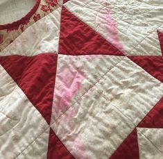 Reverse a Color Bleed with This Easy Tip - Quilting Digest Quilting Tips, Quilting Tutorials, Quilting Projects, Beginner Quilting, Modern Quilting, Sewing Patterns Free, Quilt Patterns, Block Patterns, Sewing Hacks