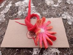 Flower bookmark or brooch. Hand made felted. Old traditional technique. Wraping with old wax. Beautiful Flowers Garden, Romantic Flowers, Felt Brooch, Flower Delivery, Flower Brooch, Vintage Gifts, Xmas Gifts, Wax, Recycling