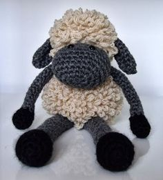 Mesmerizing Crochet an Amigurumi Rabbit Ideas. Lovely Crochet an Amigurumi Rabbit Ideas. Crochet Gratis, Cute Crochet, Crochet Patterns Amigurumi, Crochet Dolls, Knit Or Crochet, Crochet Baby, Knitting Patterns, Crochet Sheep Free Pattern, Craft Patterns