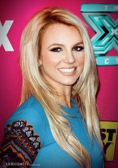 Still loving Britney Spears' signature black smokey eye and satin pink lip