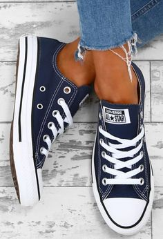 Could It Really Be Possible For Normal Guys To Build Head-Turning Muscle, Demolish Stubborn Fat, And Ramp Up Their Sexual Performance Just From Running 16 Minutes Per Week? Chuck Taylor Converse All Star Navy Trainers Converse Navy, Outfits With Converse, Converse Sneakers, Blue Converse Outfit, Converse Style, Converse All Star, Cute Converse Shoes, Converse Tumblr, Red And White Converse