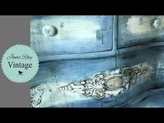 How To Blend And Distress Paint With Vinegar Water - YouTube