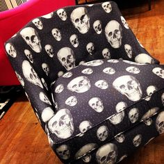 In a month or so my new family room starts, - Skull Chair❤ Gotta have it! Hmmmmm but where to put it......would it work! LOL!