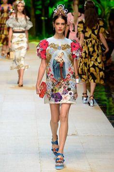 Dolce & Gabbana Spring 2017 Ready-to-Wear Fashion Show - Taja Feistner