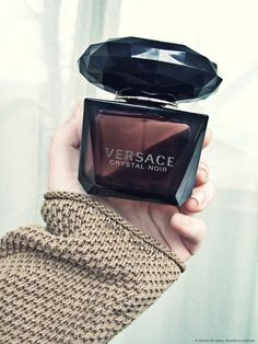 Crystal Noir by Versace. Shop niche perfumery samples at Fimaron. Search your favorite parfums in our niche collection. Perfume Scents, Perfume And Cologne, Perfume Bottles, Versace Fragrance, Versace Crystal Noir Perfume, Alien Perfume, Dolce E Gabbana, Foto Instagram, Perfume Collection
