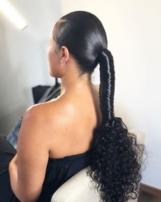 Extended ponytail by Jazz inspired by Jade . Weave Ponytail Hairstyles, Ponytail Styles, Sleek Ponytail, My Hairstyle, Girl Hairstyles, Curly Hair Styles, Natural Hair Styles, Ponytail With Braiding Hair, Hairstyle Ideas