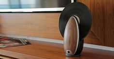 Vertical Record Player Gives Modern Functions to Retro Device | Bored Panda