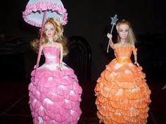 Resultado de imagen para video de como hacer vestidos en goma eva para muñecas