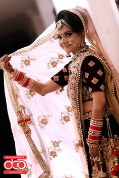 Dee Color is the best wedding and function photography studio and photo lab in Delhi. They provide the best Wedding Photography, Pre Wedding Photoshoot, wedding cinematography etc. services at very reasonable price.