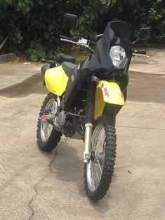 The Yenkro Adventure Fairing Kit is available in white or black. Your bike must be fitted with the Safari tank for the fairing to fit. Dr 650, Ktm 690, Off Road Bikes, Dual Sport, Riding Gear, Moto Style, Adventure Tours, Motorcycle Accessories, Bobber