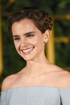 Emma Watson's Magical Braid Features a Secret Beauty and the Beast Symbol Emma Watson has been leaving a trail of beauty inspiration and dropped jaws while on her press tour for Beauty and the Beast. In fact, we were so wowed by her Emma Watson Beautiful, Emma Watson Smile, Emma Watson Beauty And The Beast, Emma Watson Casual, Emma Watson Short Hair, Emma Watson Cute, Emma Watson Makeup, Enma Watson, Diy Beauty Secrets