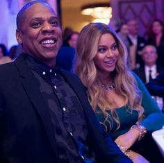 Beyonce & Jay Z Couple Up For Weinstein's Pre-Oscars Party Beyonce and Jay Z are getting in on the Oscars weekend fun! The power couple, who's expecting twins this year, stepped out at The Weinstein Company's 2017 Pre-Academy… Celebrity Couples, Celebrity News, Celebrity Style, Oscar 2017, Blue Ivy Carter, Expecting Twins, Beyonce And Jay Z, Beyonce Style, Online Photo Gallery