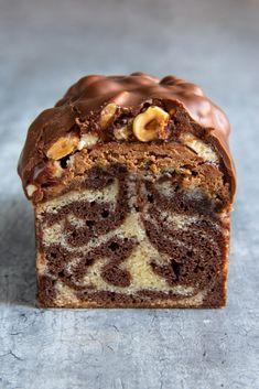 Marble Cake Recipes, Easy Cake Recipes, Dessert Recipes, Chocolat Gianduja, Patisserie Cake, Happy Cook, Plum Cake, Biscuit Cake, Cake & Co