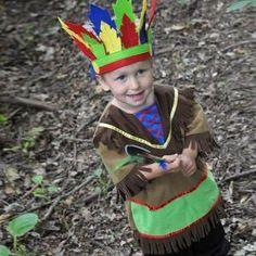 Se não sabe como fantasiar o pequeno lá de casa, saiba que a fantasia de índio é bem fácil de arrumar! #carnaval #fantasias