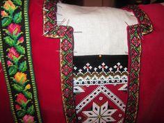 Pinning the ribbons on my Hardanger bunad. Part of unique floral belt ribbons. Montering av håndvevd rosekvarde på Hardanger-liv. Viktig å montere kvarden symmetrisk! Utsnitt av unike fangbånd i ull på stramei, Love Actually, Traditional Outfits, Christmas Sweaters, Ribbon, Costumes, Tape, Treadmills, Dress Up Outfits, Band