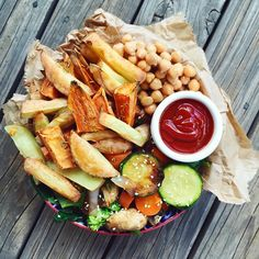 """✨ (No oil no salt mixed rosemary fries, stir fried vegetables with sesame, chickpeas, refined sugar free tomato sauce) """"Everyone you meet is fighting a battle you know nothing about. Be kind. Always."""" An excerpt from my diary, and a reminder to us all that mental illness is nothing to be ashamed of, or scared of. Just sayin' ❤️"""