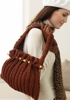 Free crochet pattern -- Autumn Tote Bag, the perfect fall accessory.
