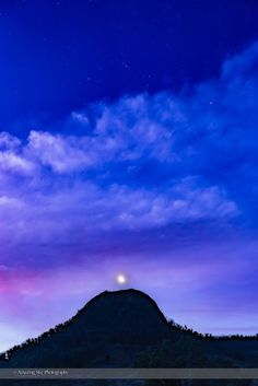 """Waxing Moon and Orion from Australia Alan: """"The waxing two-day old Moon in the evening sky from Australia, below the constellation of Orion in the twilight."""" Credit: Alan Dyer Alan's Website: http://amazingsky.net Location: New South Wales, Australia Date: April 10, 2016"""