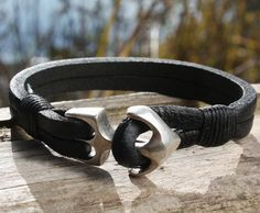 Handcrafted black leather bracelet with an anchor clasp. Made with resilient buffalo hide. A favorite design. Shipped from Mississauga, Canada in a gift-worthy natural burlap pouch. Average Standard S Diy Leather Bracelet, Mens Gold Bracelets, Leather Cuffs, Leather Necklace, Leather Jewelry, Leather Men, Leather Jackets, Green Leather, Metal