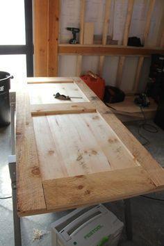 how to build a board and batten door. how to build a board and batten door. Wood Projects, Woodworking Projects, Building A Door, Shed Doors, Closet Doors, House Doors, Porche, Board And Batten, Interior Barn Doors