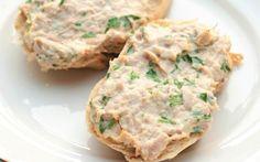 A receita de patê de atum iogurte rende aproximadamente 6 porções…