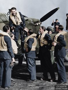 Cienfuegos, Hawker Hurricane, The Blitz, Battle Of Britain, Fighter Pilot, Aviation Art, Luftwaffe, Vintage Photographs, Military Aircraft
