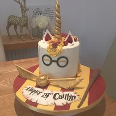 Today I made a chocolate Harry Potter themed unicorn cake 😍🍰 Harry Potter Torte, Harry Potter Birthday Cake, Harry Potter Diy, Harry Potter Candles, Single Tier Cake, Anniversaire Harry Potter, Harry Potter Baby Shower, Cakes Today, Specialty Cakes