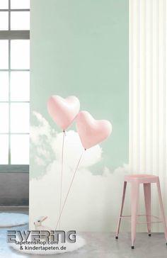 Alice & Paul 12 - Ein Wandbild in grün-grau mit rosa Herzchen bringt Romantik ins Mädchenzimmer.