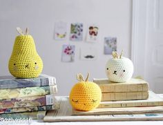 Fruits with a touch of glamour Mollie Makes, Crochet Fruit, Diy Crochet, Kawaii Doodles, Baby Sewing, Homemade Gifts, Decoration, Needlepoint, Sewing Projects