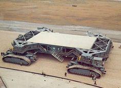 mechaddiction: NASA Crawler Transporter, 1966.Made by THe...