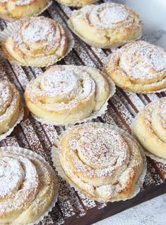 mortlade dl vetemjöl Fyllning g smör 4 msk vaniljsocker Baking Recipes, Healthy Recipes, Swedish Recipes, Fika, Everyday Food, Something Sweet, Baked Goods, Bakery, Brunch