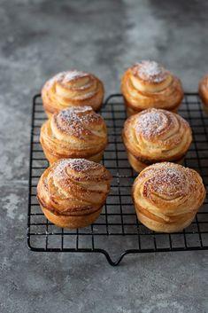 Croissant, Cinnamon Pull Apart Bread, Dessert Recipes, Desserts, Muffin Recipes, Doughnut, Cheesecake, Breakfast, Food