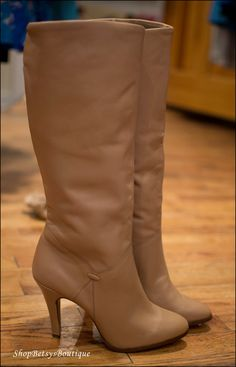 Size 10 1980s 1990s Brown Tan Natural Leather Tall High Heel Boots