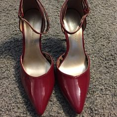 4f693a509c3 Size from a smoke free home. Christian Siriano for Payless.
