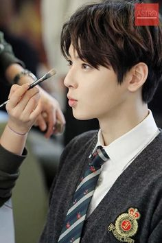 Friend me on FriendLife K Pop, Cha Eunwoo Astro, Fandom Kpop, Lee Dong Min, Pretty Images, Cha Eun Woo, Korean Celebrities, Celebs, Cute Korean
