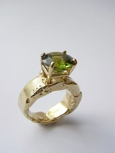 deluxe freeform ring in 18ct gold with peridot by Kelvin J Birk