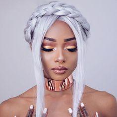 @nyanelebajoa looking like a goddess in LANA Metallic Velvetine and Venus ✨