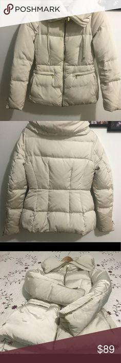 Zara women puffer down jacket S off white Zara pre-owend puffer jacket small, in very good conditions only need dry clean. This thin, quilted, Zara puffer coat is perfect for winter. It is a 3D pearl colour and has a soft, padded and warm collar that can be zipped up to cover your face. It also has a hidden hood which can be taken out in rainy weather. It is water-resistant which means that it is perfect for snowy and damp conditions. Zara Jackets & Coats Puffers