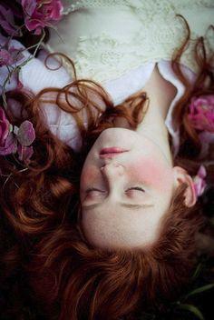 Fairy Tales by Nature - pre-raphaelite Art Magique, Fantasy Magic, Look Dark, Poses Photo, Foto Art, Conte, Faeries, Daydream, Red Hair