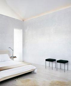 Casey Dunn tarafından Görüntü | basit bir hayat için Yatıştırıcı minimalist yatak odası