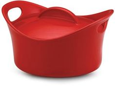 Bright and bold, the Rachael Ray 53238 Casserround Stoneware qt. Casserole Dish with Lid - Red puts a unique twist on a kitchen classic.
