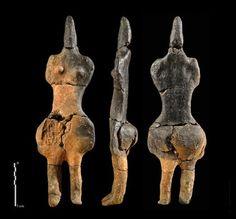 """Estatuilla neolítica de la """"Madre Tierra"""" hallada en las orillas del rio Somme"""
