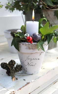 99 Inspiring Modern Rustic Christmas Centerpieces Ideas with Candles - Christmas Candle Decorations, Christmas Flowers, Noel Christmas, Christmas Candles, Country Christmas, All Things Christmas, Winter Christmas, Xmas, Nordic Christmas
